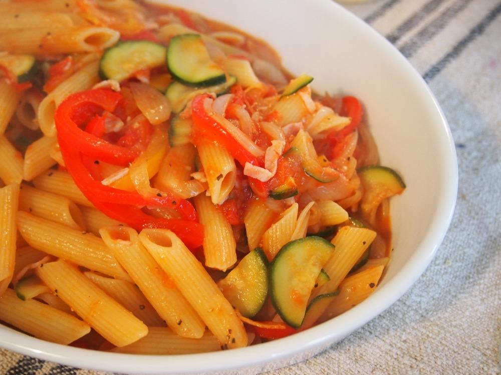 sachiful_kitchen 男の料理教室 彩り野菜のトマトパスタ