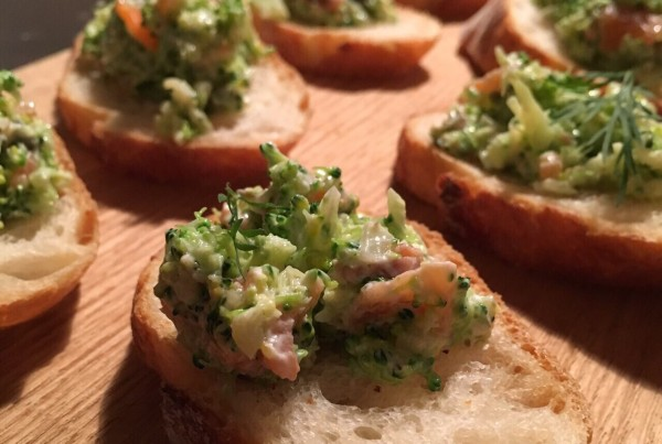 清水紗智 料理教室 ブロッコリーとサーモンのサラダ