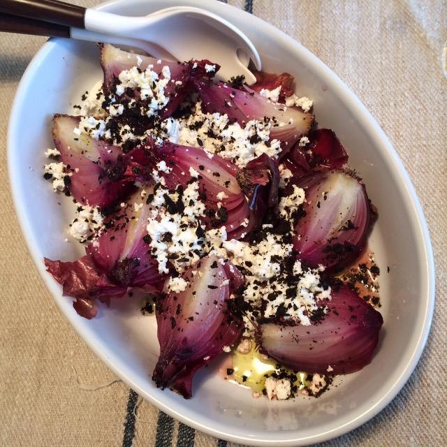 清水紗智 男の料理教室 レッドアーリーの丸ごとオーブン焼きチーズと黒オリーブのパウダーがけ